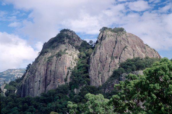 Wallabadah_Rocks.jpg